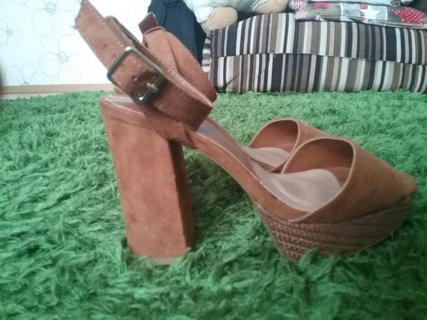 Sandałki na słupku STRADIVARIUS 36r. NOWE!!!