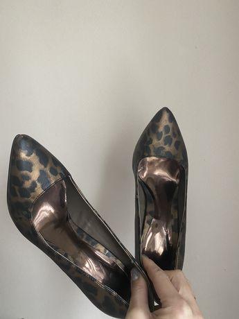 Туфли лодочки классика новые