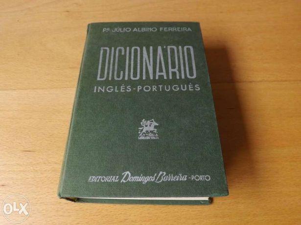 quatro dicionários