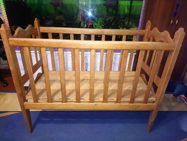 Дубовая шикарная детская кроватка ручная работа 990гр