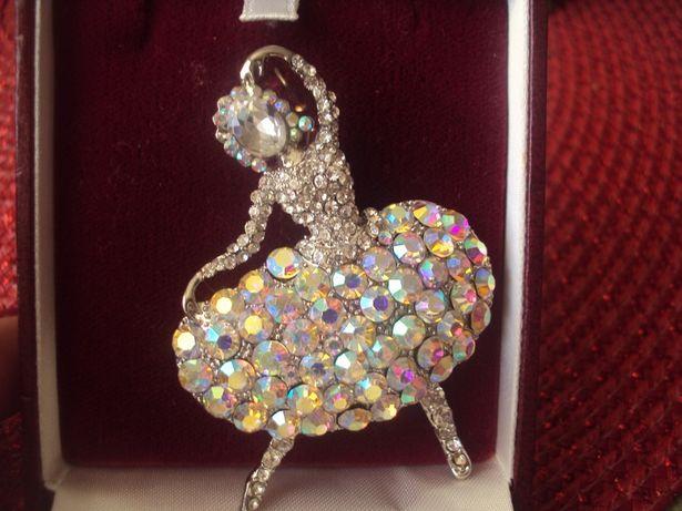 piękna angielska Broszka baletnica kryształki cyrkonie.