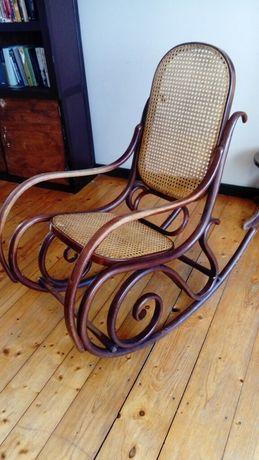Krzesło bujane do renowacji stan idealny