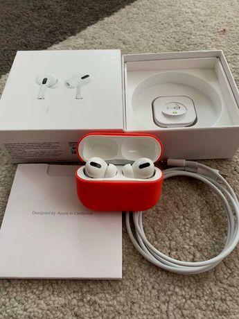 Наушники Apple Airpods Pro в прекрасном состоянии