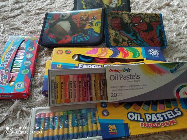 Zestaw szkolny piórnik pastele farby