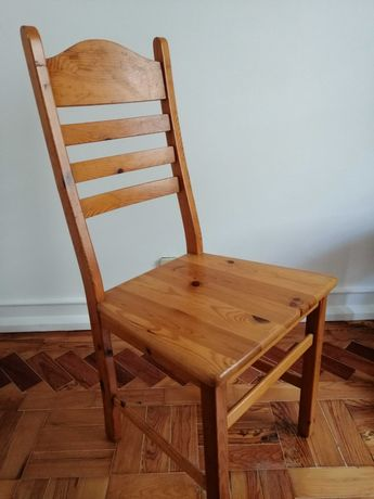 Cadeira de pinho