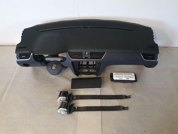 Skoda Octavia 3 deska rozdzielcza konsola airbag pasy