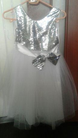 Продам 2 праздничных платья!