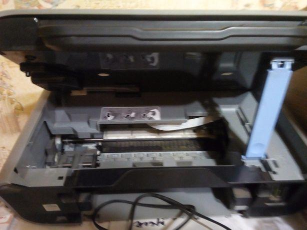 Струйный принтер Canon Pixma MP 180 без картриджей. рабочий