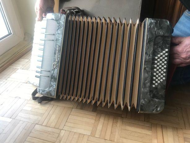 akordeon niemiecki Rhytmus sygnowany 40 basów