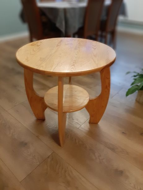 Stolik sosnowy / lite drewno