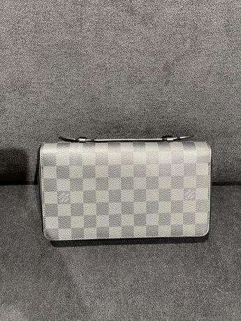 Продам мужскую сумку Louis Vuitton