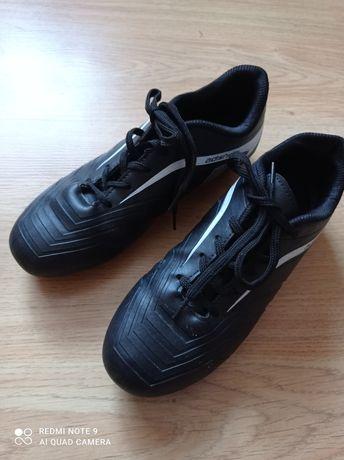 Продам буцци,взуття для занять футболом.