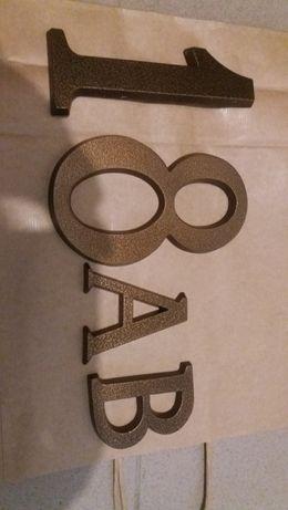 Numer domu/lokalu brązowy, ocynkowany 18 AB