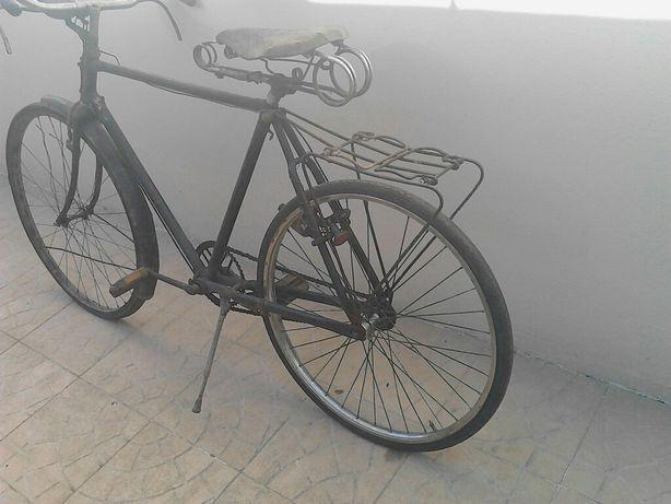 pasteleira bicicleta para restaurar