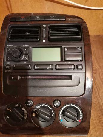 Radio z panelem sterowania Toyota Avensis