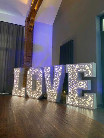Napis LOVE - Wynajem