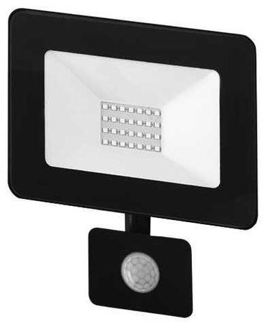 Projector LED IP65 220V Br.Frio 6000K 20W com sensor novo na caixa