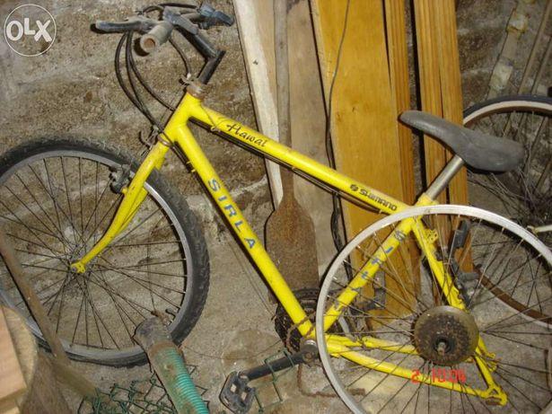 Bicicleta Sirla com peças Shimano