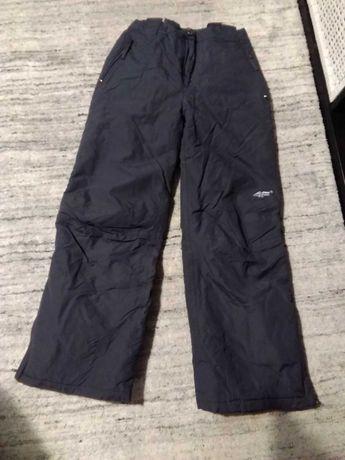 Spodnie narciarskie 4F rozmiar 158-164 cm