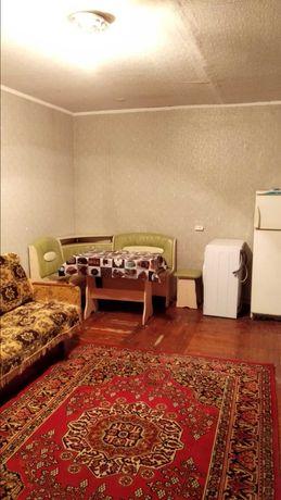 Аренда 1 комнатной гостинки, 1 минута метро Малышева