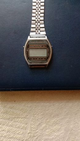 Продам часы электроника 05