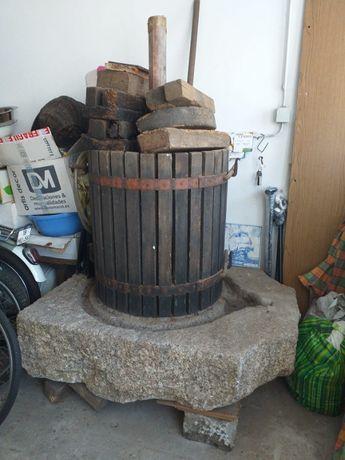 Espremedeira antiga completa com pedra incluida