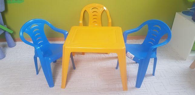 Stolik plastikowy z krzesłami dziecięcy