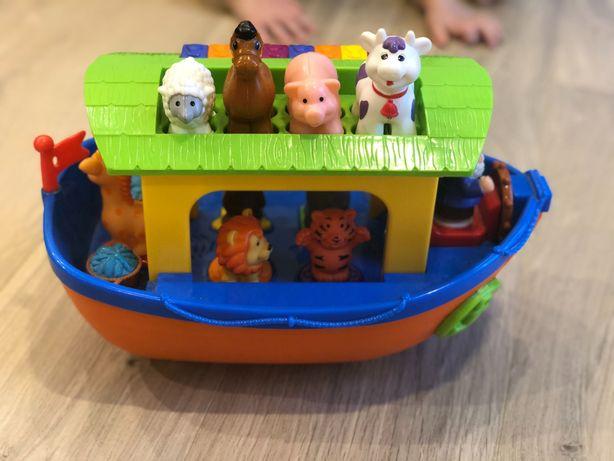 Ноев ковчег, трактор с животными