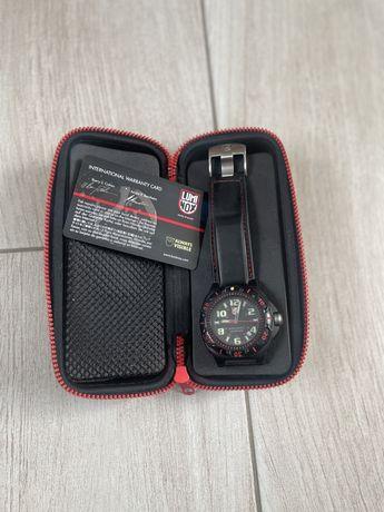 Luminox швейцарские часы милитари