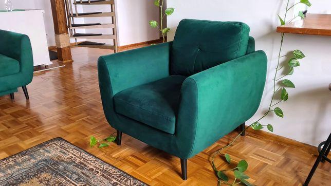 Skandynawski fotel z Agata meble. Zielony, butelkowa zieleń.