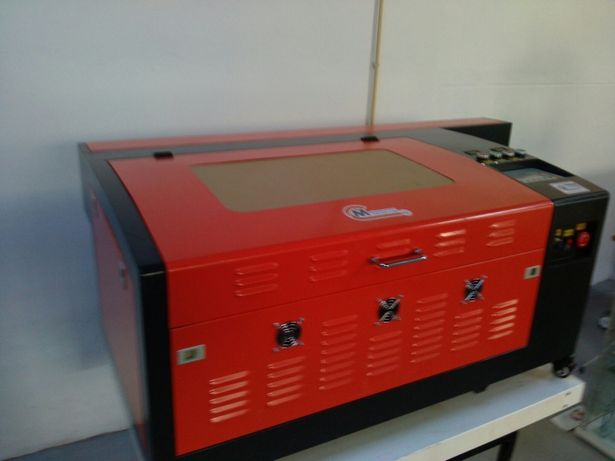 Maquina de corte e gravaçao a laser alta velocidade
