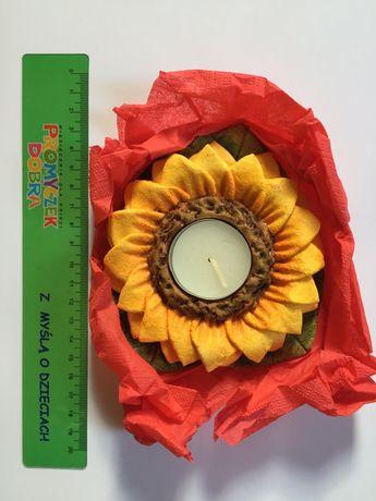 Świecznik w formie kwiata