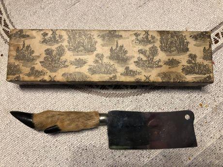 Tasak z racicą sarny ( łowiectwo)