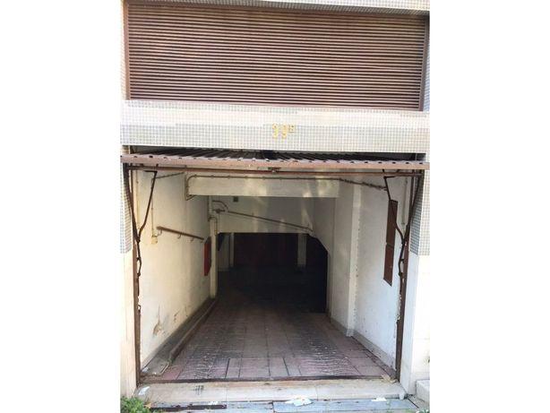 Garagem box em Almada