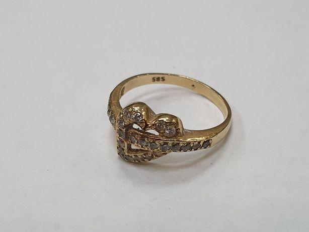 Piękny złoty pierścionek/ 585/ Motyw serca/ 2.2 gram/ R14/ Gdynia