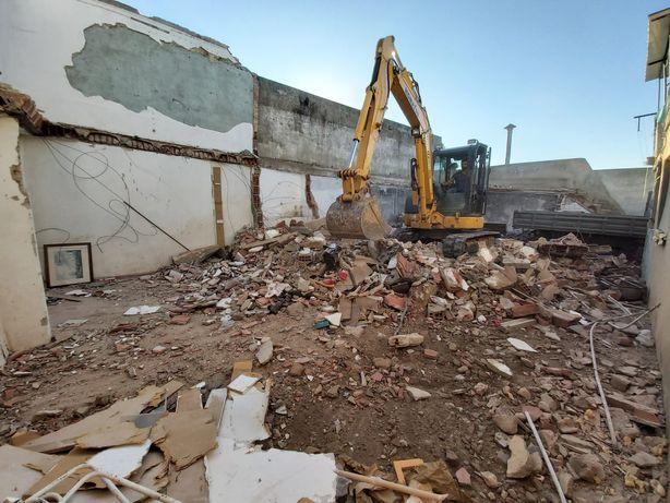 Limpezas Terrenos /Demolições/Escavações