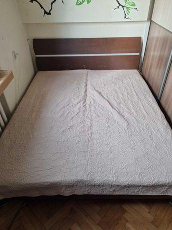 Duże łóżko sypialnia dwa materace