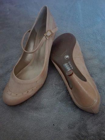 Szpilki Nude Pantofle Czółenka(39)John Levis