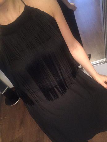 Czarna długa sukienka zawiązywana na szyje Maxi studniówka sylwester