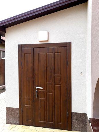 Металлические двери, тамбурные перегородки с обшивкой под заказ