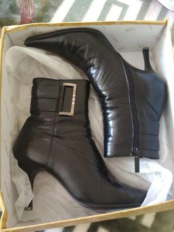 Кожаные ботинки, ботинки