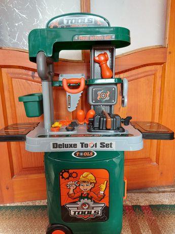 Игрушечный набор инструментов для мальчика