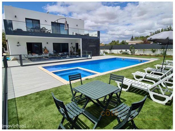 Moradia V6 Isolada com piscina e jardim - Almancil, Algarve