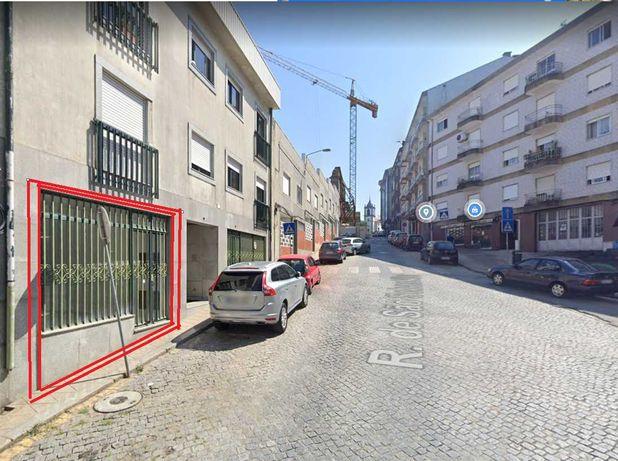Loja na freguesia da Sé -107 m2, totalmente remodelado