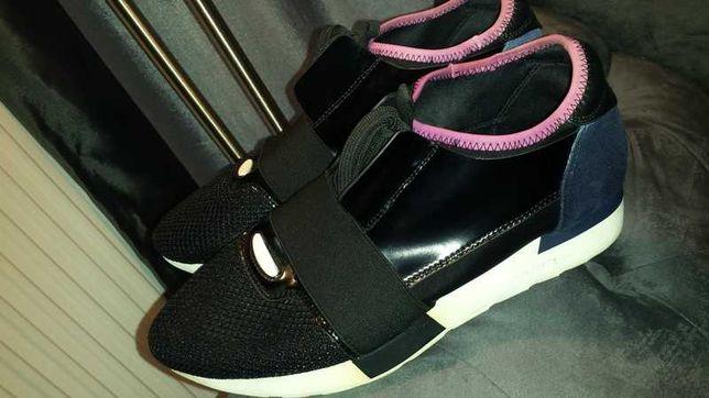 Świetne skórzane buty Balenciaga Race Runner