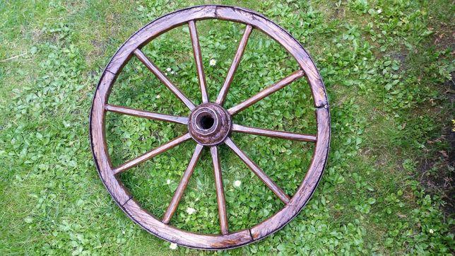 Odrestaurowana koło od wozu