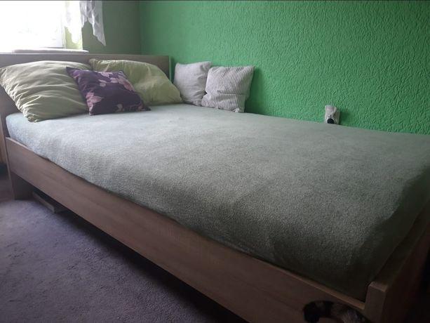 Łóżko plus szafa sypialniane