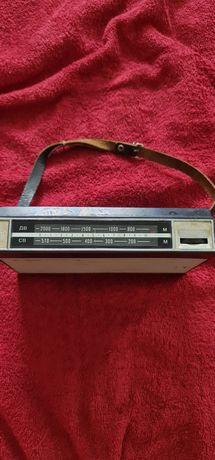 Продам тразисторный радиоприемник 60х годов