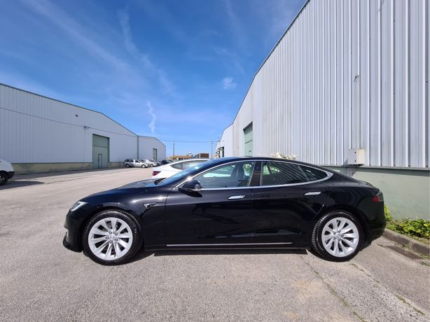Tesla S 75 praticamente novo