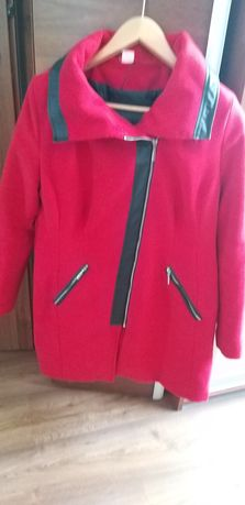 Czerwony płaszczyk rozmiar 46